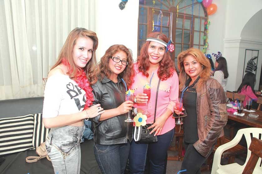 Estrella, Marian, Ana y Gabriela.