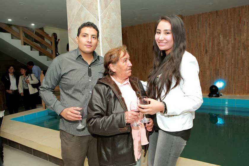 Juan Pablo Acebey, Nely Sanabria y Andrea Castillo.