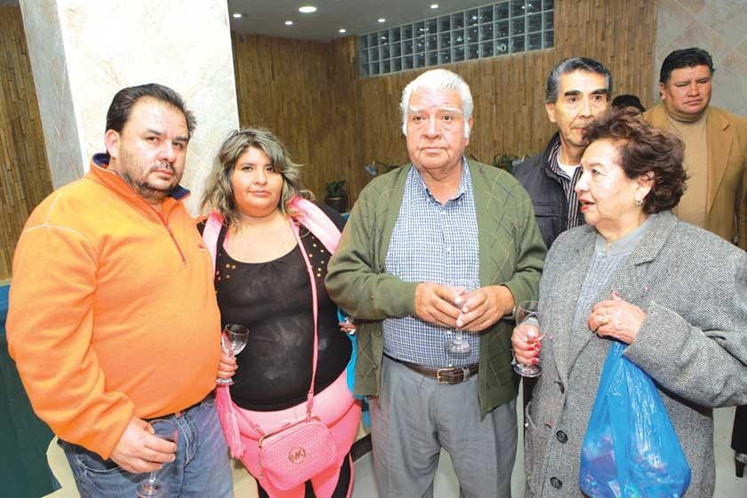 Alex Méndez, Paola Poveda, Julio Poveda, Adolfo Poveda  y Betty de Poveda.