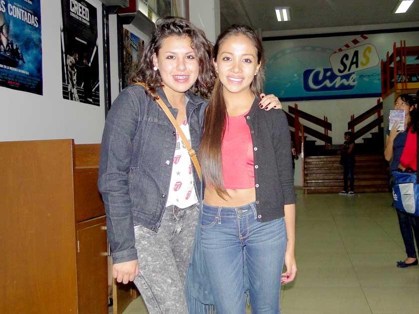 Nedenka Sellis y Camila Flores.
