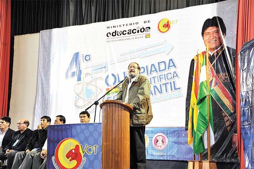 AUTORIDADES. El Ministro de Educación, Gustavo Aguilar, reconoció públicamente las falencias del modelo