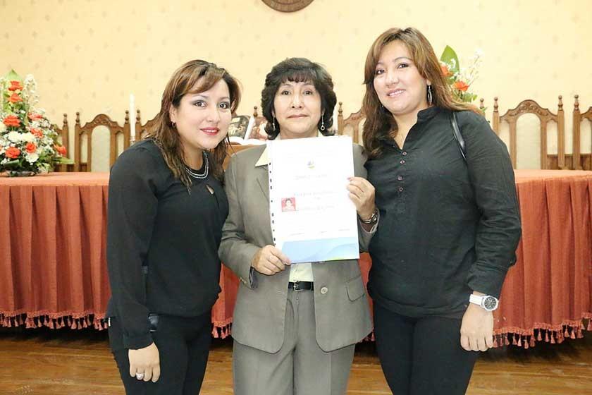 Natalie López, Zaida Torres y Maida López.