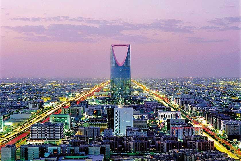 Vista nocturna de Riad.