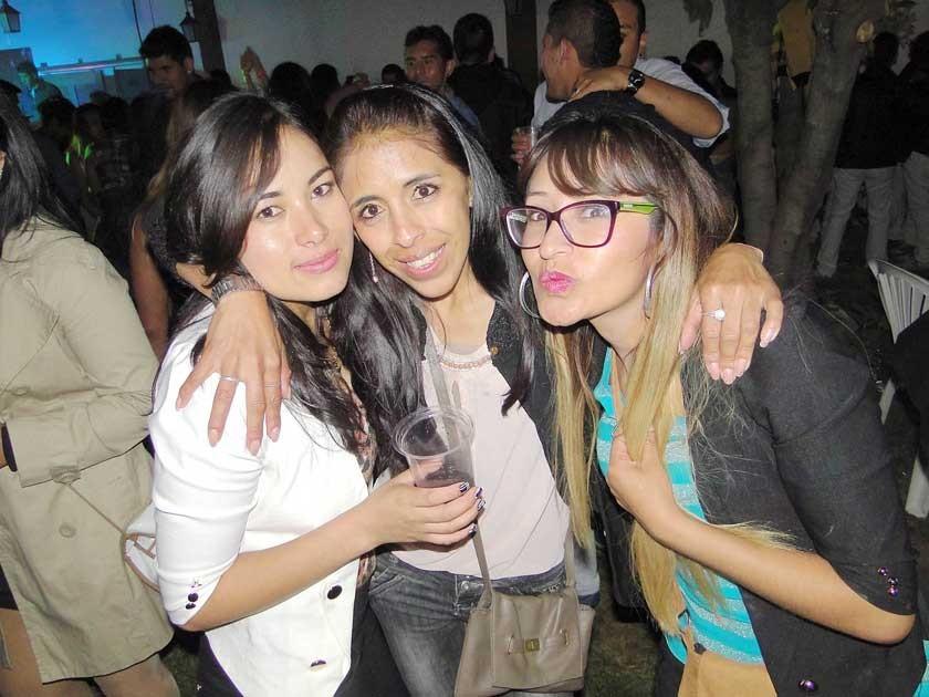 Leonor, Marcela y Luz Álvarez.