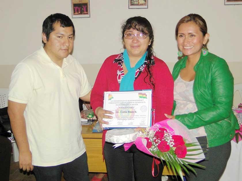 Miguel Huallpa, Cyntia Rojas y Gisela Ramos.