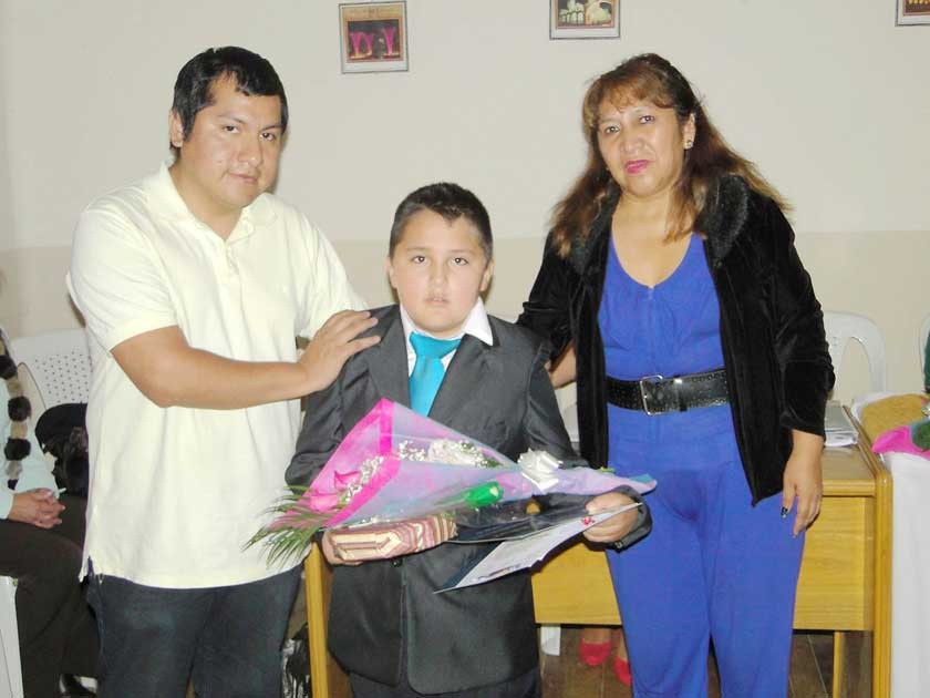 Miguel Huallpa, Fabio Cors Rodríguez y Martha Gómez (presidenta COMAPESBO).