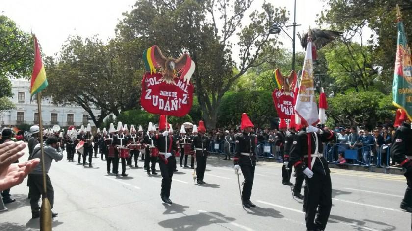 La Banda de Guerra del colegio Jaime de Zudáñez. Foto: Dayana Martínez