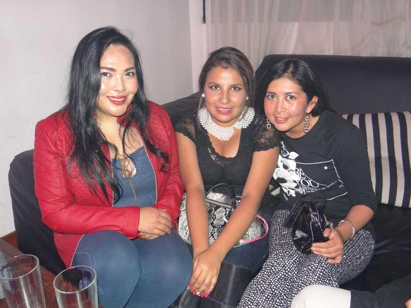 María Vildoso, Andrea Moscoso y Alisson Claure.