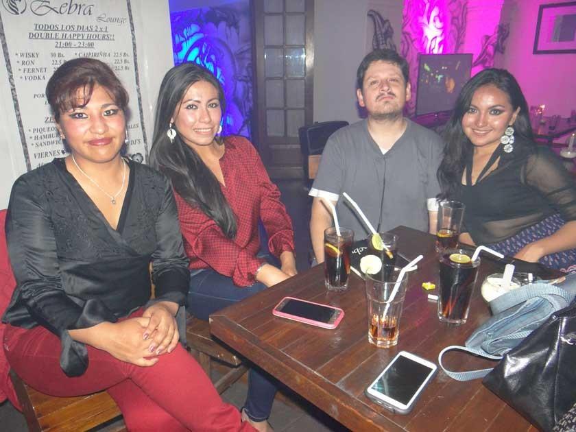 Karen Pabón, Pamela Cueto, Marcelo Auza y Valeria Zárate.