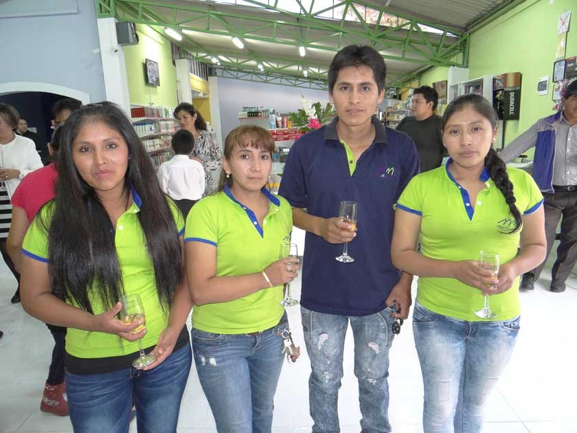 Celestina Chojllu, Paola Gómez, Sergio Uyuquipa y Rosemary Calderón.