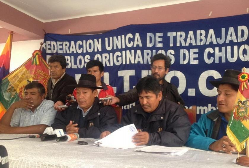 Dirigentes de la FUTPOCH esta mañana en Sucre. Foto: Richard Mamani