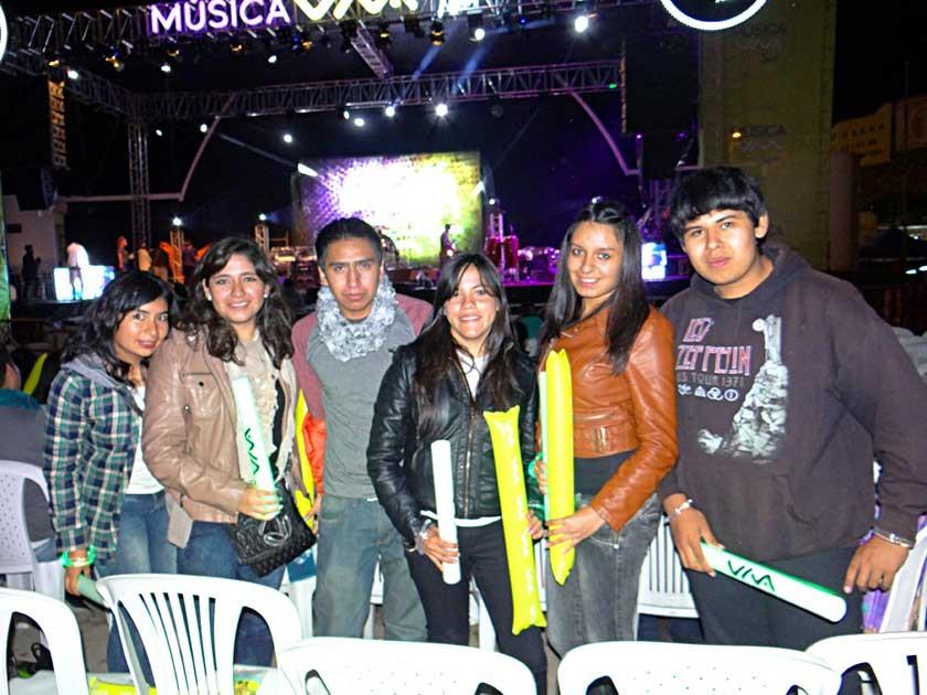 Daniela, Mariela, Gualberto, Vania, Jael y Miguel.