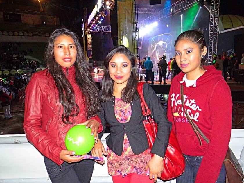 Fabiola Paco junto a Soledad y Fernanda Veramendi.