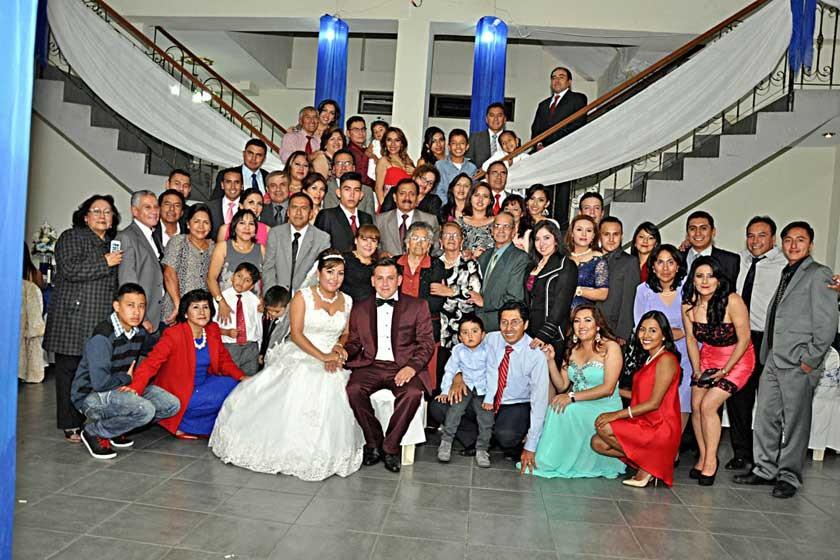 Familiares de la novia Mayda López.