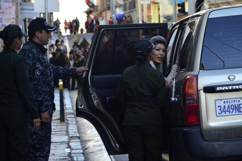 Zapata al salir de las oficinas del IDIF. Foto: AFKA