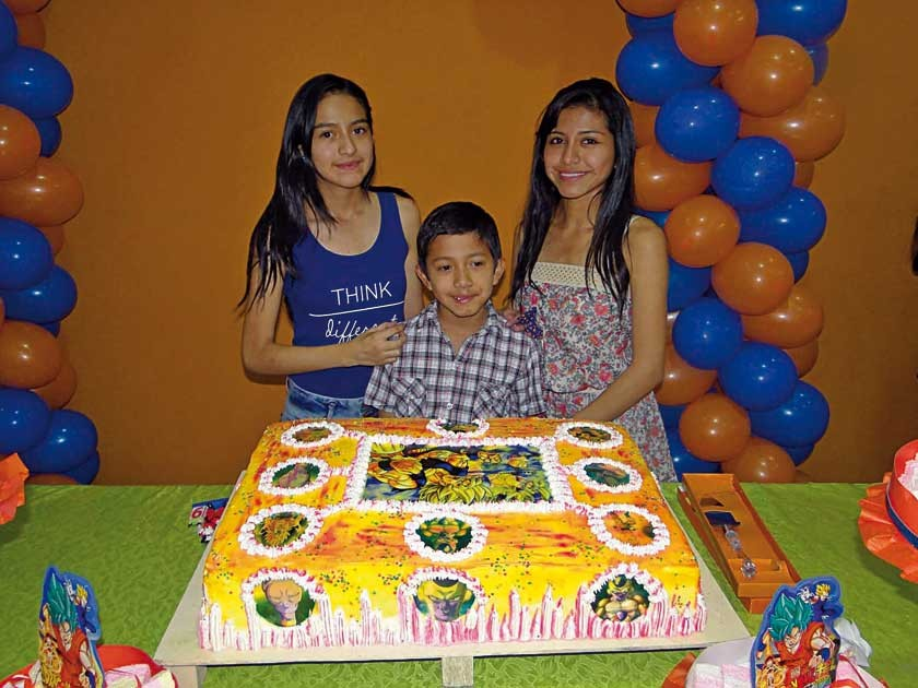 Belén, Noelia  y Daniel Ortuño.