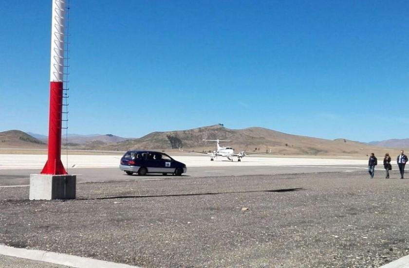 En el aeropuerto de Alcaltarí continúan con la instalación de su equipamiento. Foto: Daniel Villavicencio