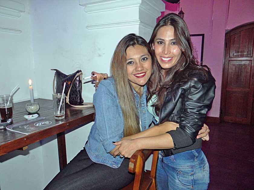 Claudia Coronado y Gabriela Vargas.