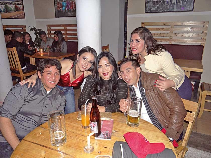 Galo Flores, Ingrid Betancourt, María Elena Vildoso, Dorian Torres y Anahí Guerra.