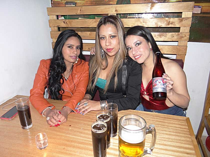 Lizeth Cruz, Carla Herrera e Ingrid Betancourt.