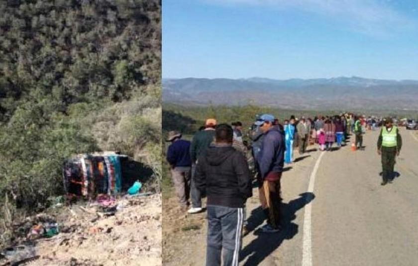 Las víctimas son auxiliadas a los centros hospitalarios cercanos a Comarapa. Fotos: El Deber