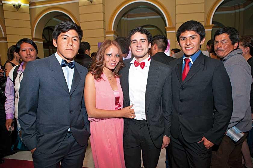 Jorge Valdez, Grace Llanos, Fernando López y Alain Tito.
