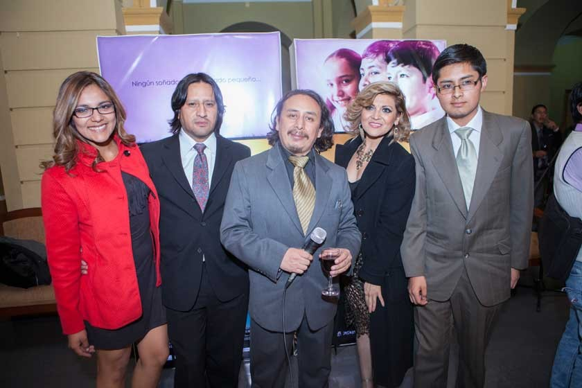 Karen Almaraz, Renato Valda, Roberto Carreño,  Claudia Duarte y Manuel Valda.