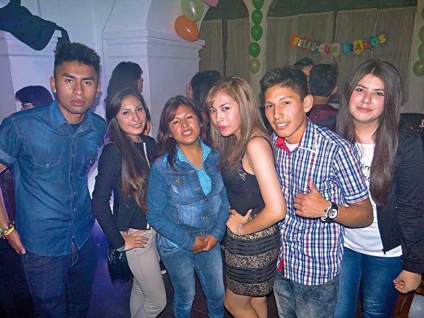 Ariel Morales, Katherine Ramos, Jenny Estrada, Daniela Llanos, Samuel Tumiri y Camila Téllez