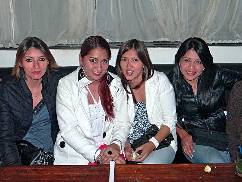 Verónica León, Dana Cabezas, Elena Cuellar y Lourdes Chinaut.