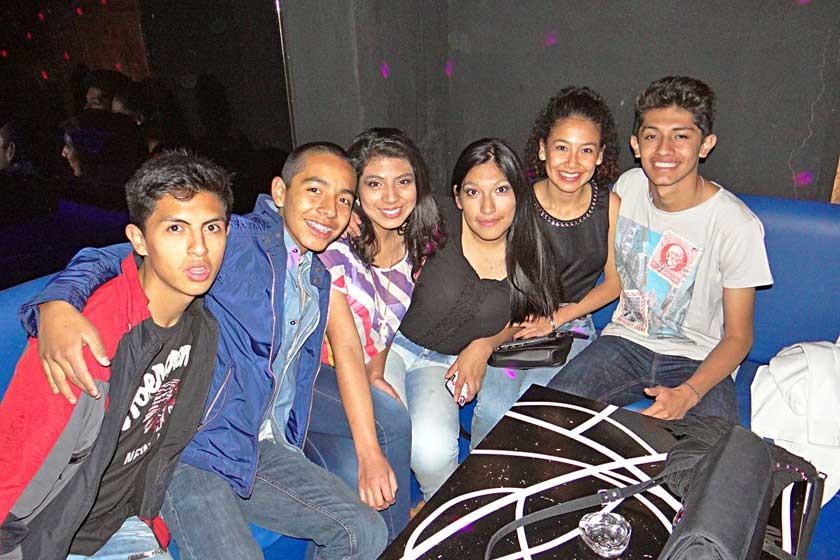 Sergio, Lobsang, Maite, Alejandra (Cumpleañera), Delicia y Diego.