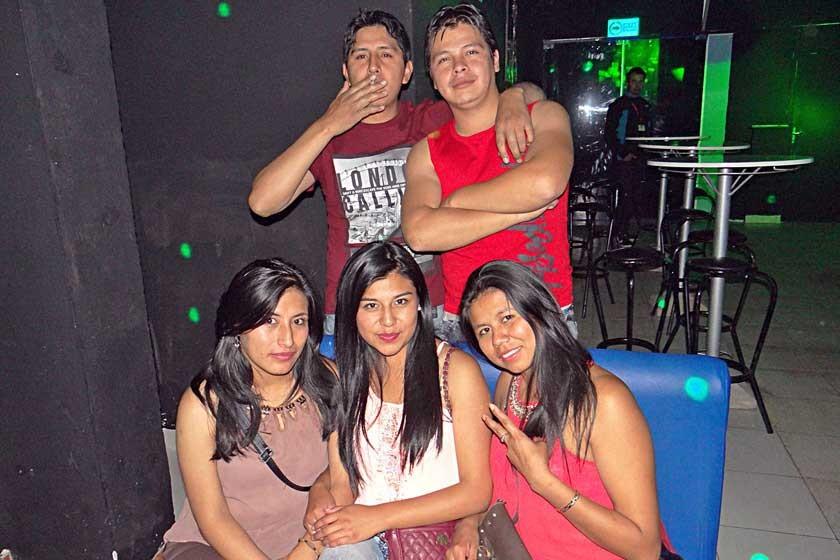 Arriba: Oswaldo y Mauricio. Abajo: Janeth, Lourdes y Daisy.