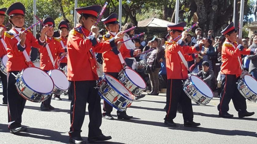 El Desfile Escolar se desarrolla con mucho fervor cívico. Fotos: Richard Mamani