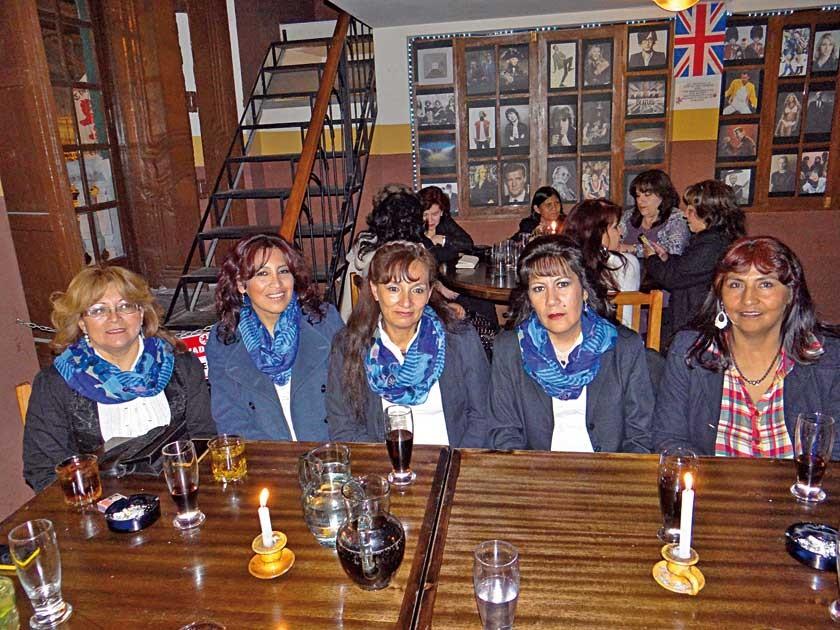 Lenny Sosa, Wilma Serrudo, Patricia Salazar, Sandra Flores y Julieta Mejía.
