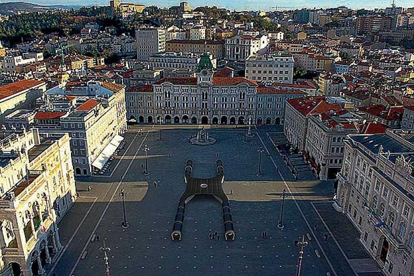 Imagen de cómo quedaría la Watly 3.0 en la plaza principal de la ciudad de Trieste.