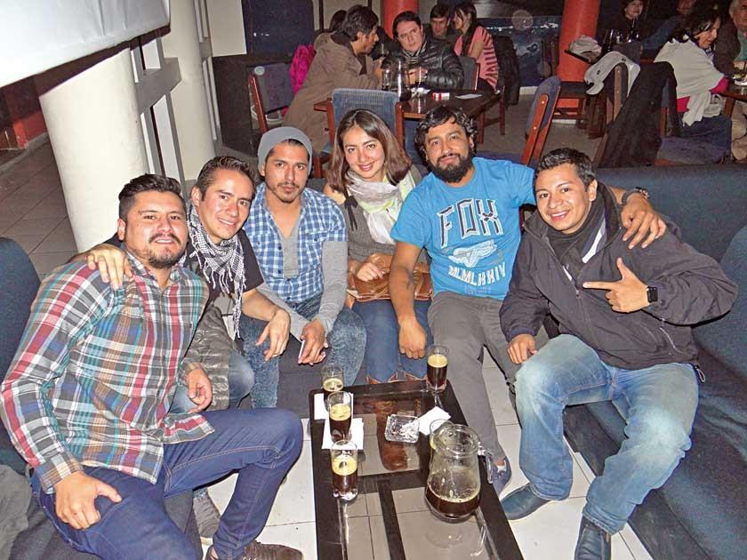 David, Alejandro, Jesús, Fernanda, Jorge y Carlos.