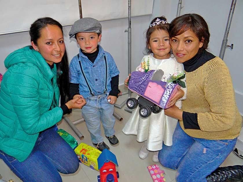 Gabriela Delgado, Benjamín Vacaflor, Emilie Gutiérrez  y Yesica Flores.