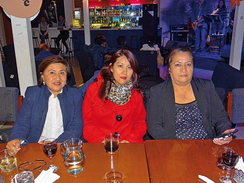 Carmen Canseco, Ludgarda Bejarano  y Lourdes Otondo.