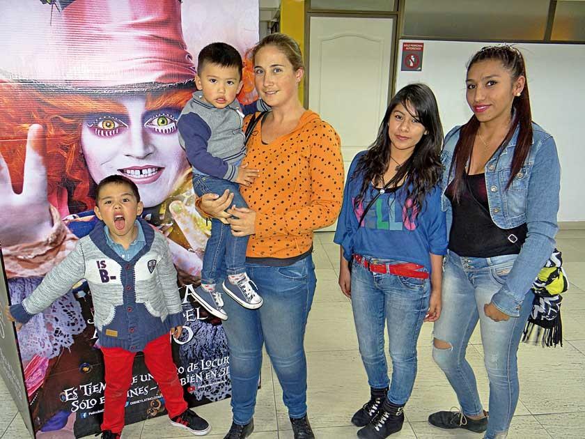 Nicolás, Martín, María Ester, Sonia y Alejandra.