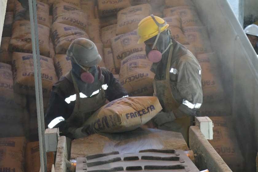 Fancesa despacha cemento a media máquina en época alta en Santa Cruz