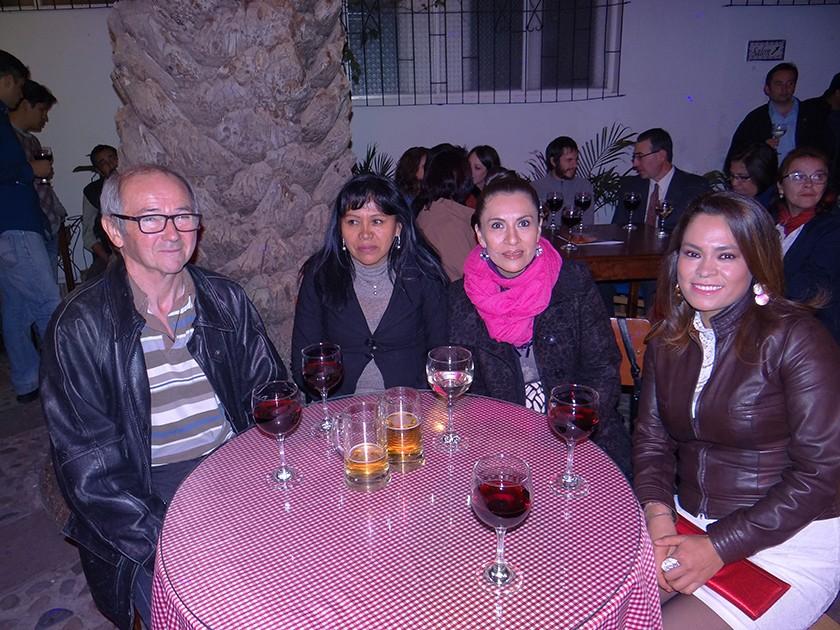 Dominic Lyot, Norma de Lyot, Ximena Moris y Carla Villafani.