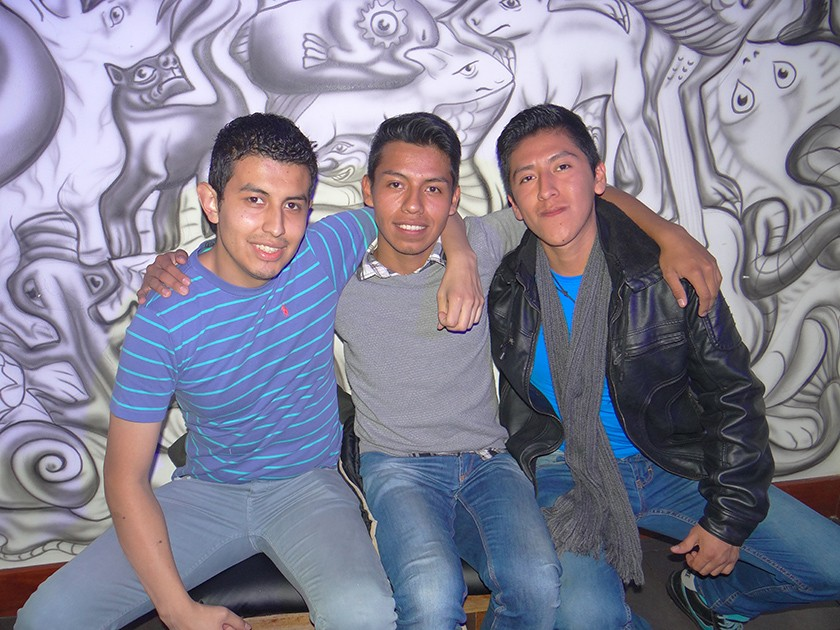 Israel Algodón, Jonathan Santa Cruz y Jurgen Calderón.