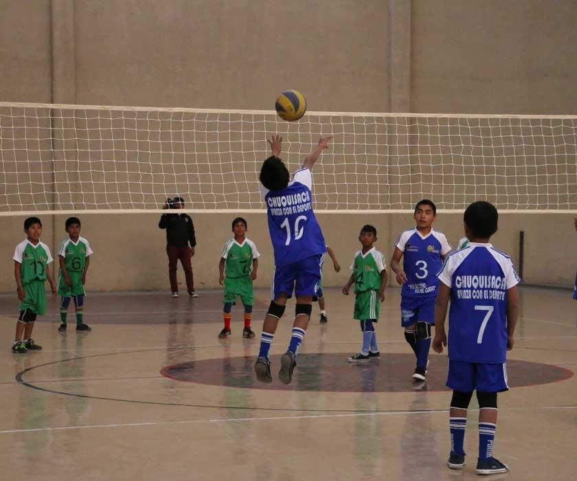 El voleibol se juega en uno de los coliseos de la III Fase del estadio Patria.