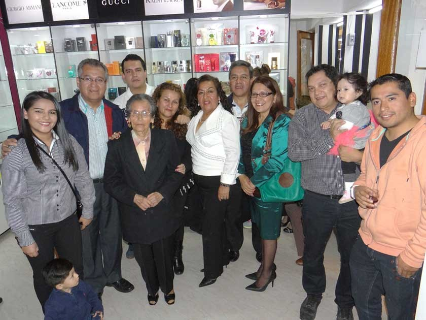 Blanca Quevedo junto con su familia.