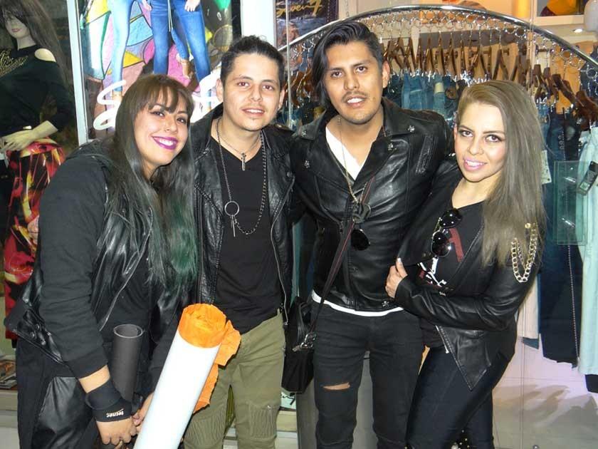Mariana Villarroel, Pablo Marquina, Kerby Iporre  y Luka Marquina.