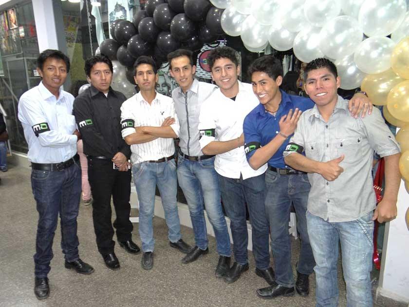 Fabricio, Saúl, Alejandro, Marcelo, Jairo, Mauricio  y Beymar de seguridad Mayday.