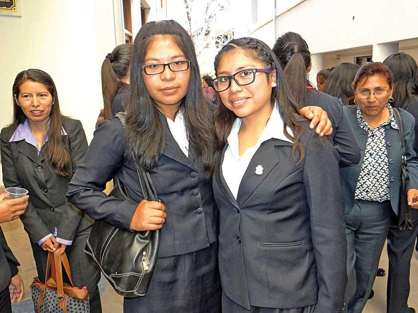 Marisol Canaviri y Carla Mayan.