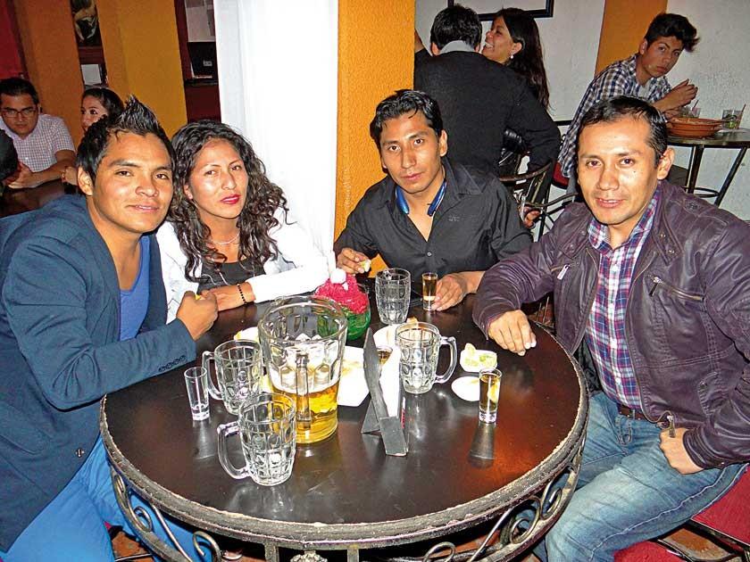 Hugo Yampa, Katty Calizaya, Mariel Orosco y Gonzalo Orosco.