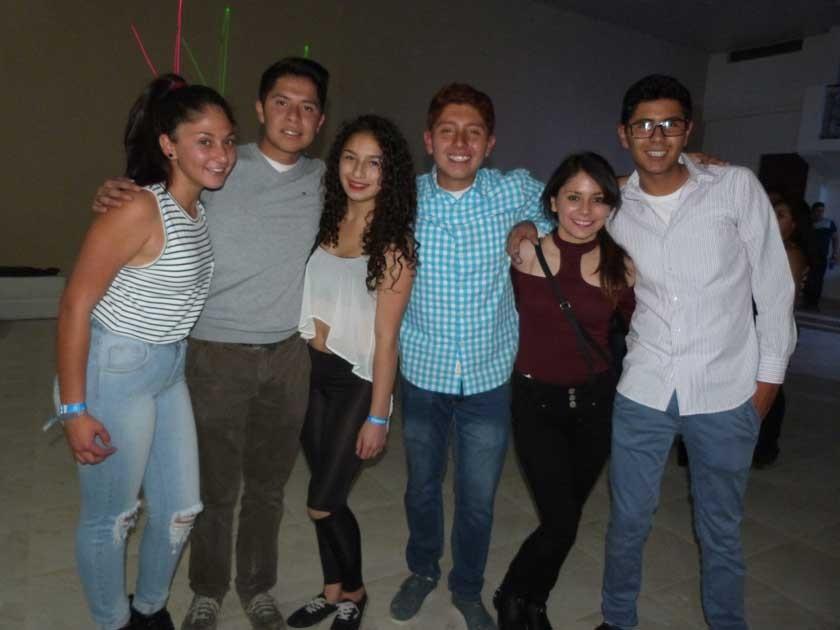 Samantha Padilla, Mauricio Morales, Nay Montoya, Alejandro López, Daniela Roncal y Mauricio Gonzáles.