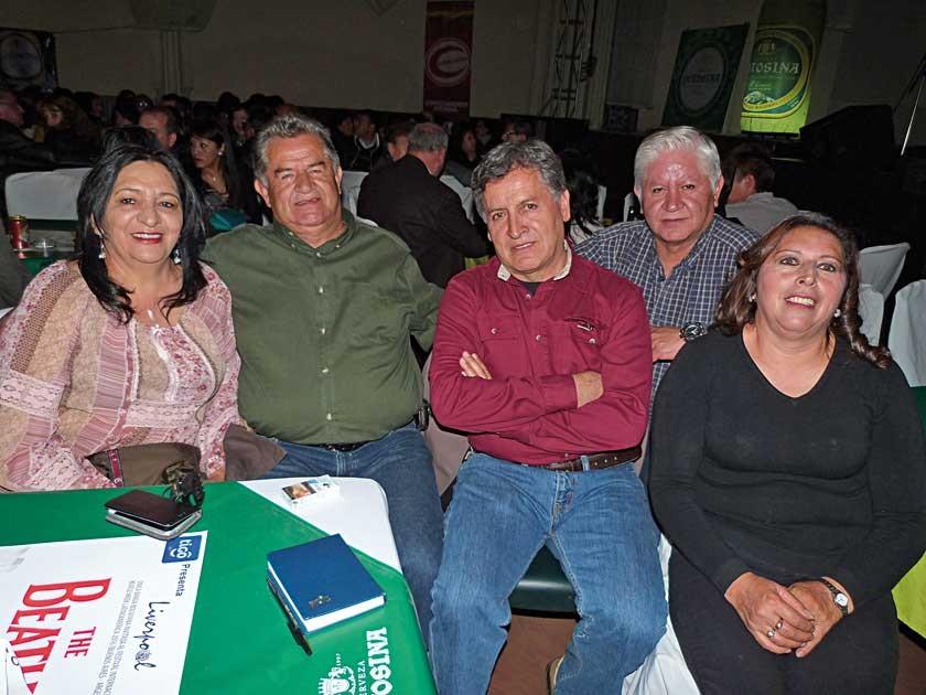 Ana María Loayza, Roberto Bustillos, Edgar Bustillos, Javier Bustillos y Gladys Rendón.