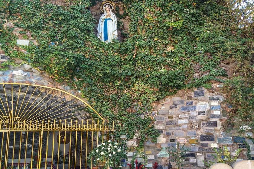 Placas para Lourdes
